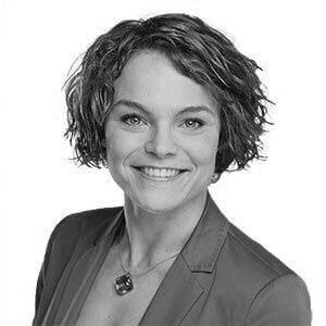 Portrait von Dr. Mirja Wehner (schwarz-weiß)