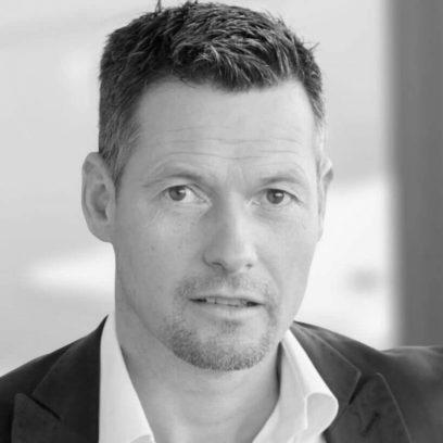 Portrait von Marco Winzer (schwarz-weiß)